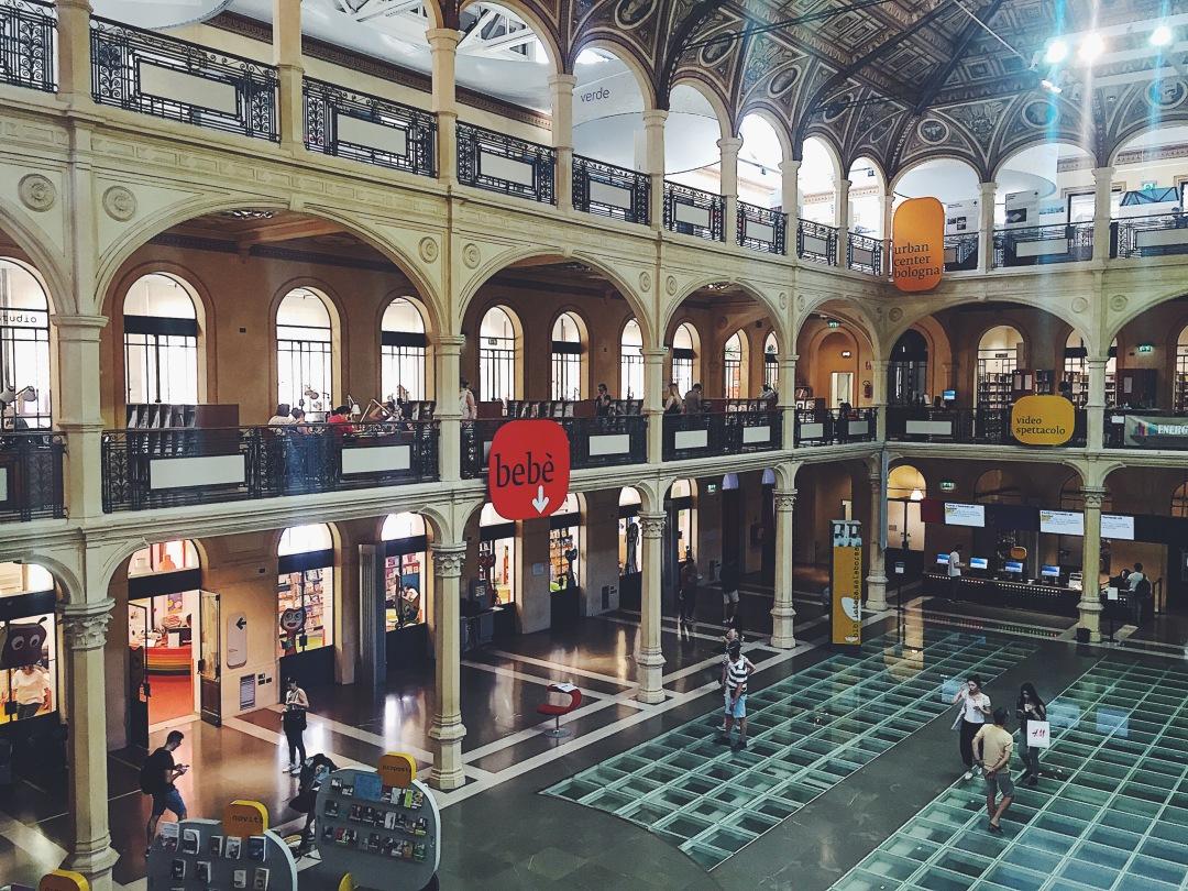 Salaborsa library Bologna