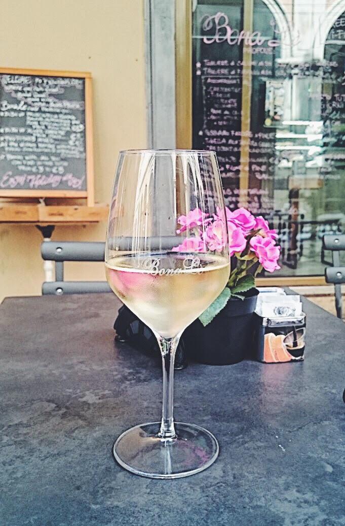 Pinot Grigio Bologna - wine in Bona Le Cafe, Bologna