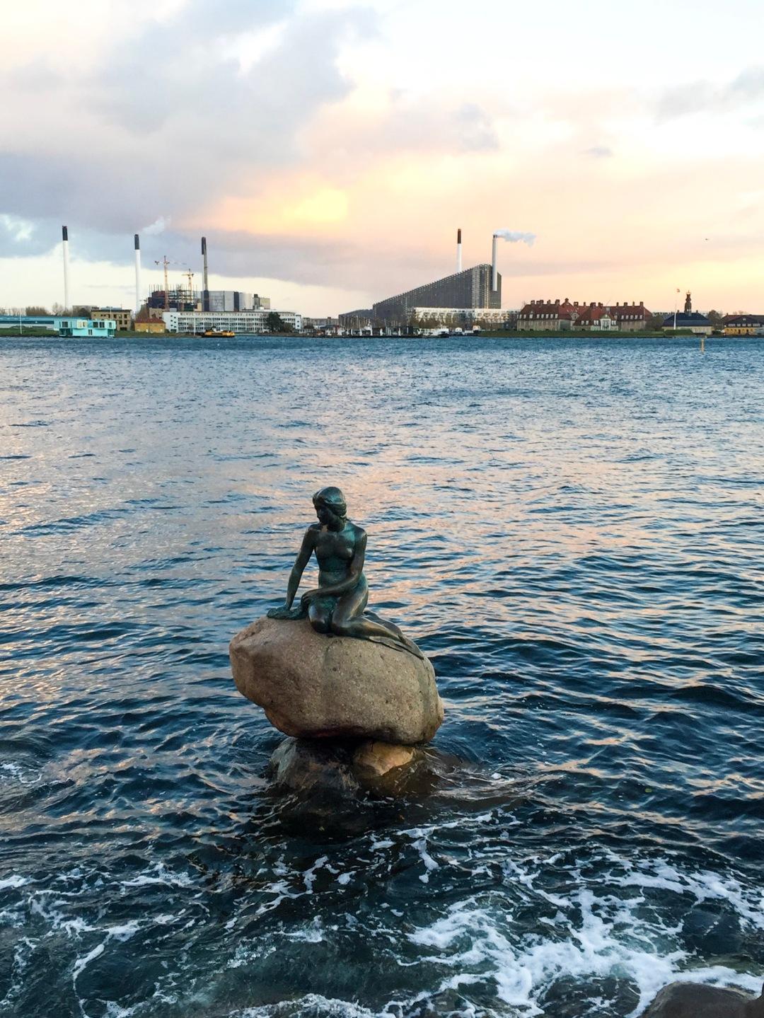 Den Lille Havfrue - The Little Mermaid statue Copenhagen