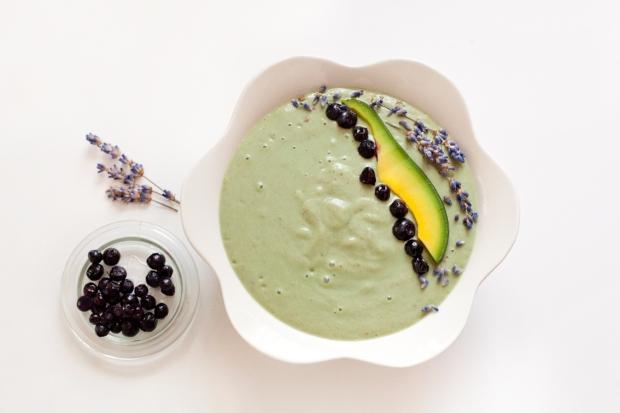 Avocado banana smoothie bowl recipe blueberry lavender