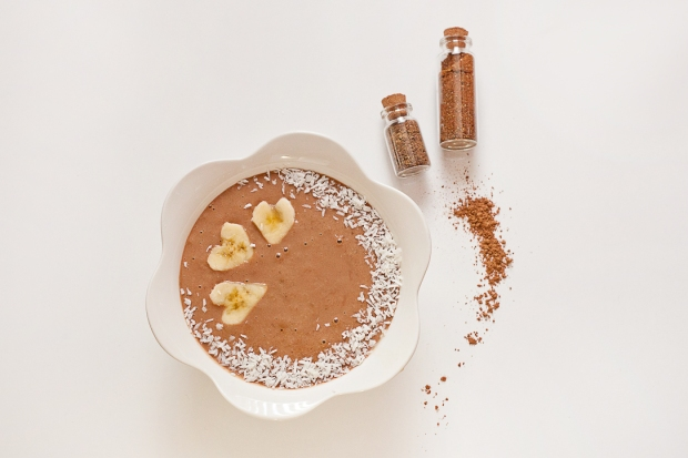 Cocoa Banana venag smoothie bowl coconut milk