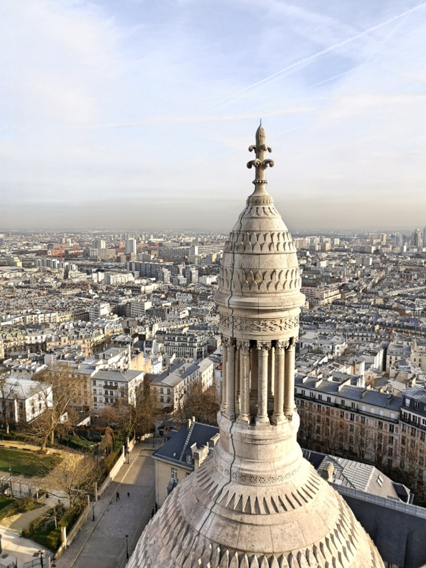 Best Instagram spots in Paris - Montmartre Sacre Coeur basilica