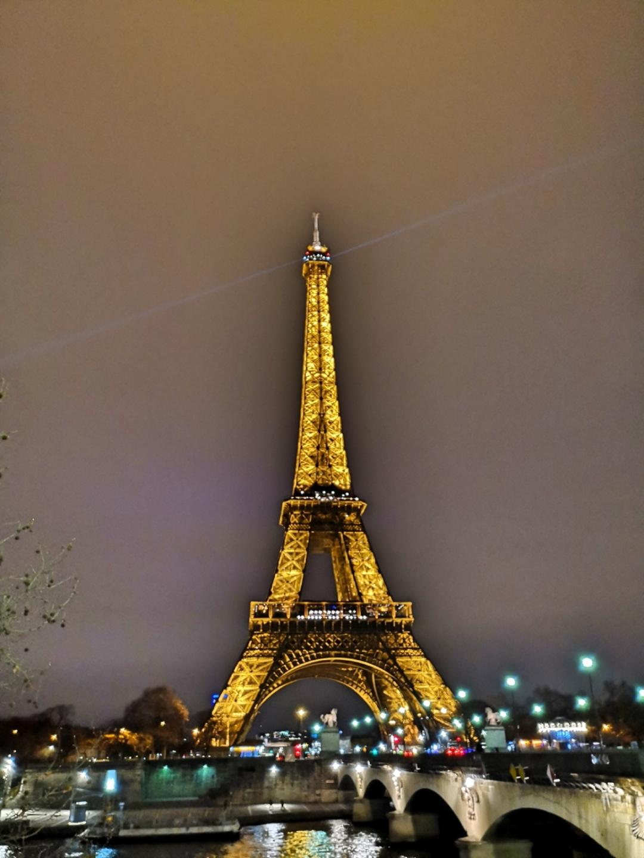 Carrousel de la Tour Eiffel - pont d'Iena Paris