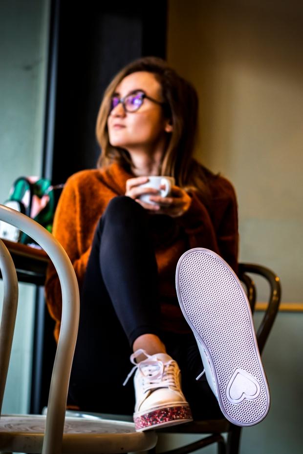Тенденции при спортните обувки пролет лято 2019 Deichmann България - бели маратонки