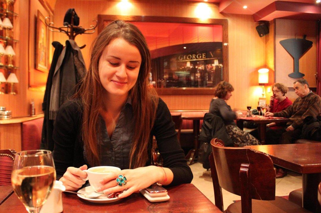 Georges V Cafe Pairs 120 Av. des Champs-Elysees, 75008 Paris, France