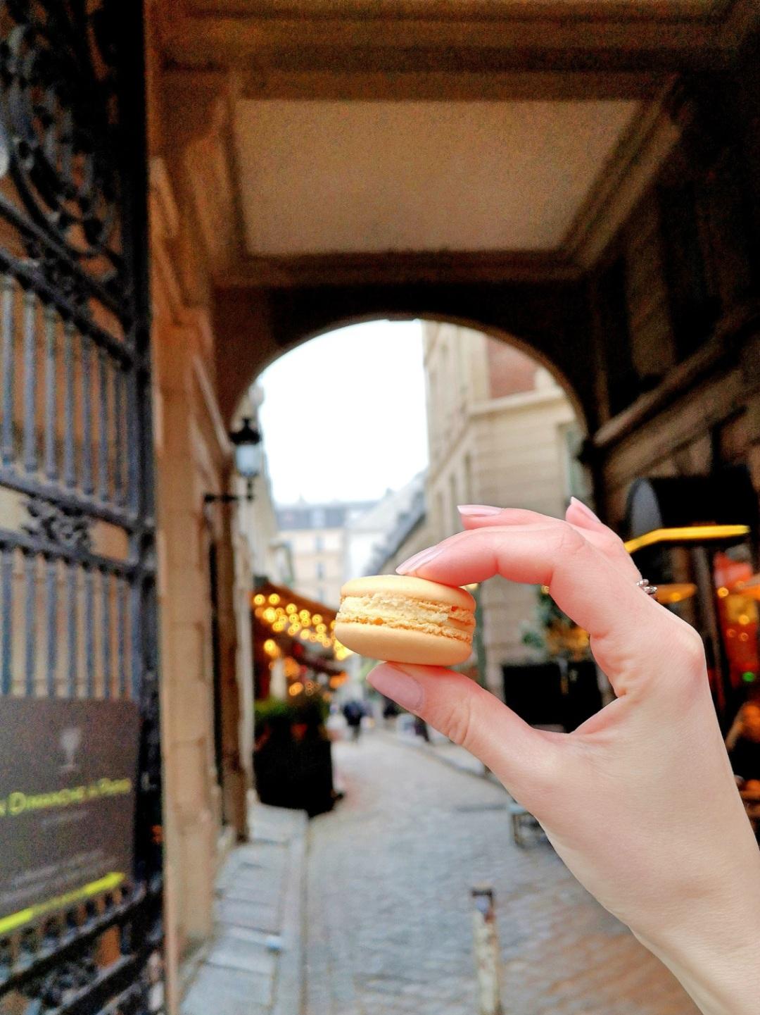 Best macarons in Paris - Laduree - Georges Larnicol