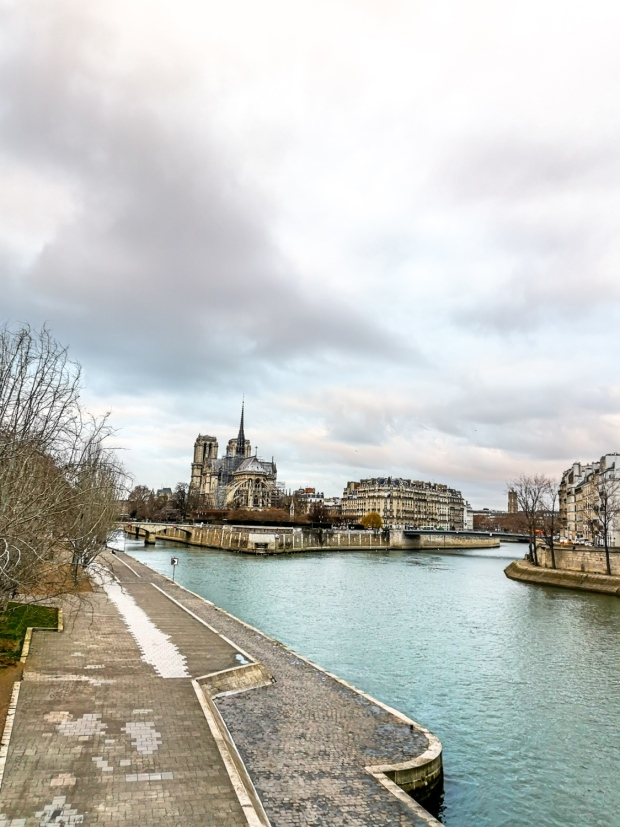 Pont de la Tournelle - Saint Genevieve statue - Ile Saint-Louis - islands in Paris