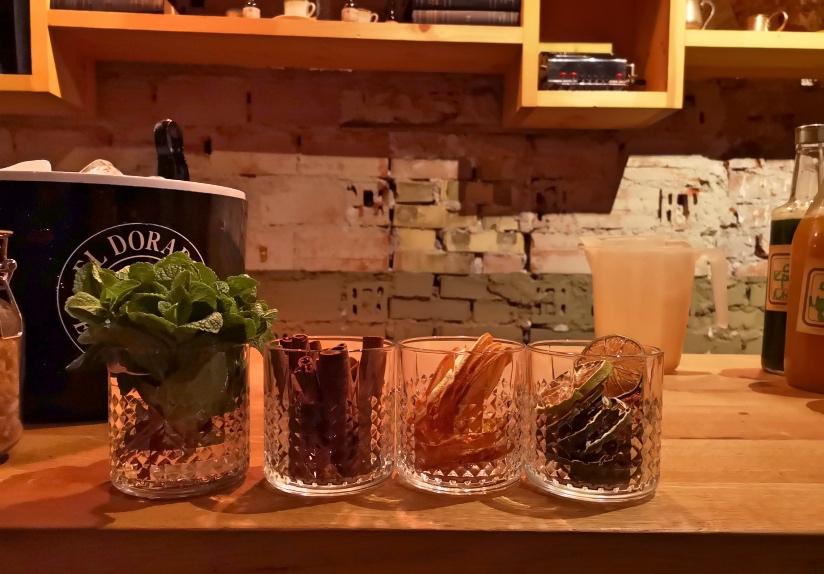 Sputnik Sofia cocktail bar address Yanko Sakazov blvd