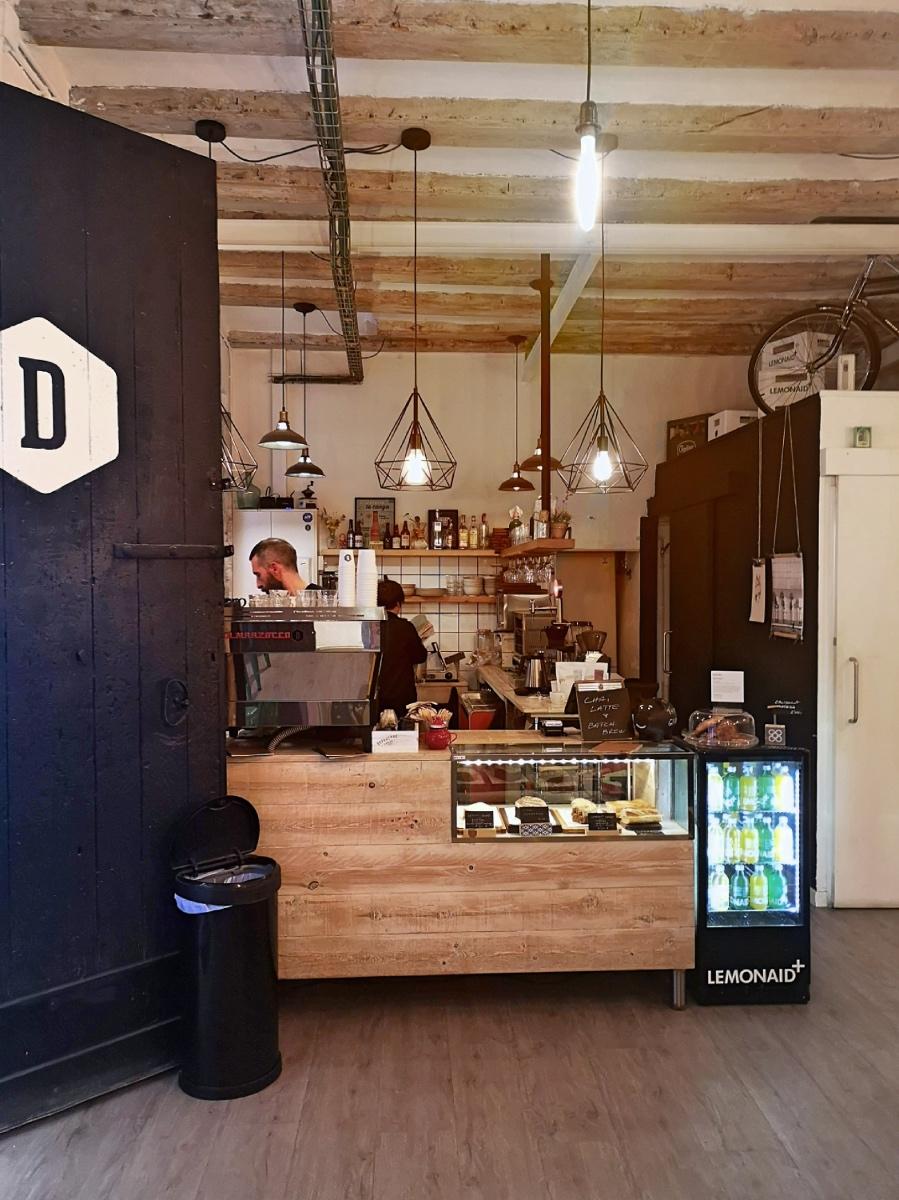 Departure cafe Barcelona - La Marzocco coffee machine