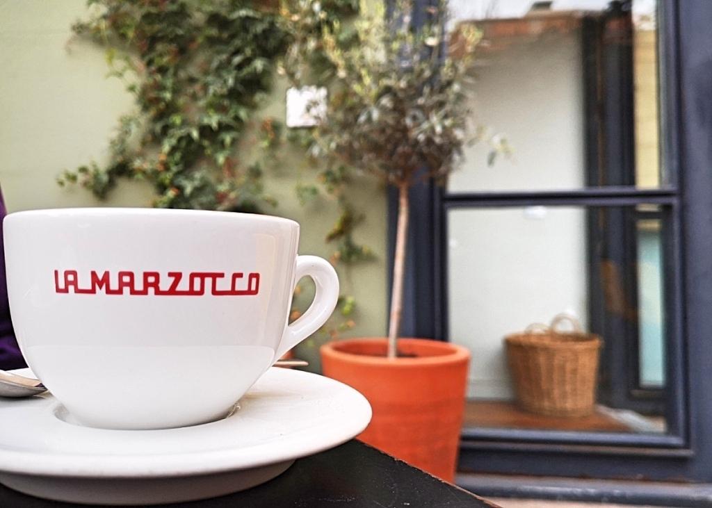 Federal Cafe Barcelona - La Marzocco coffee machine