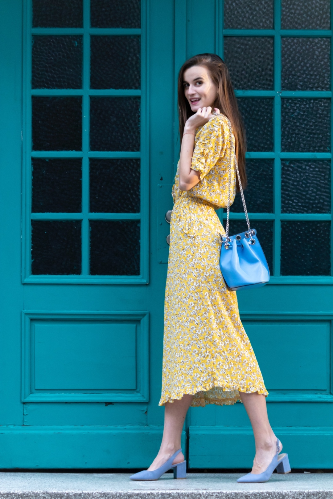 Shoes trends for summer 2019 Deichmann Bulgaria - blue sling pumps