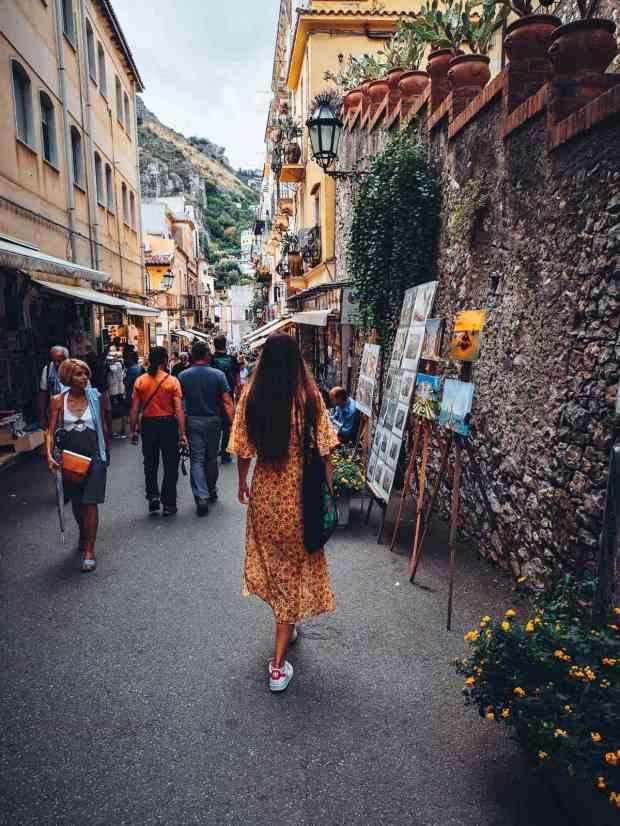 Corso Umberto - Narrow streets of Taormina Sicilia