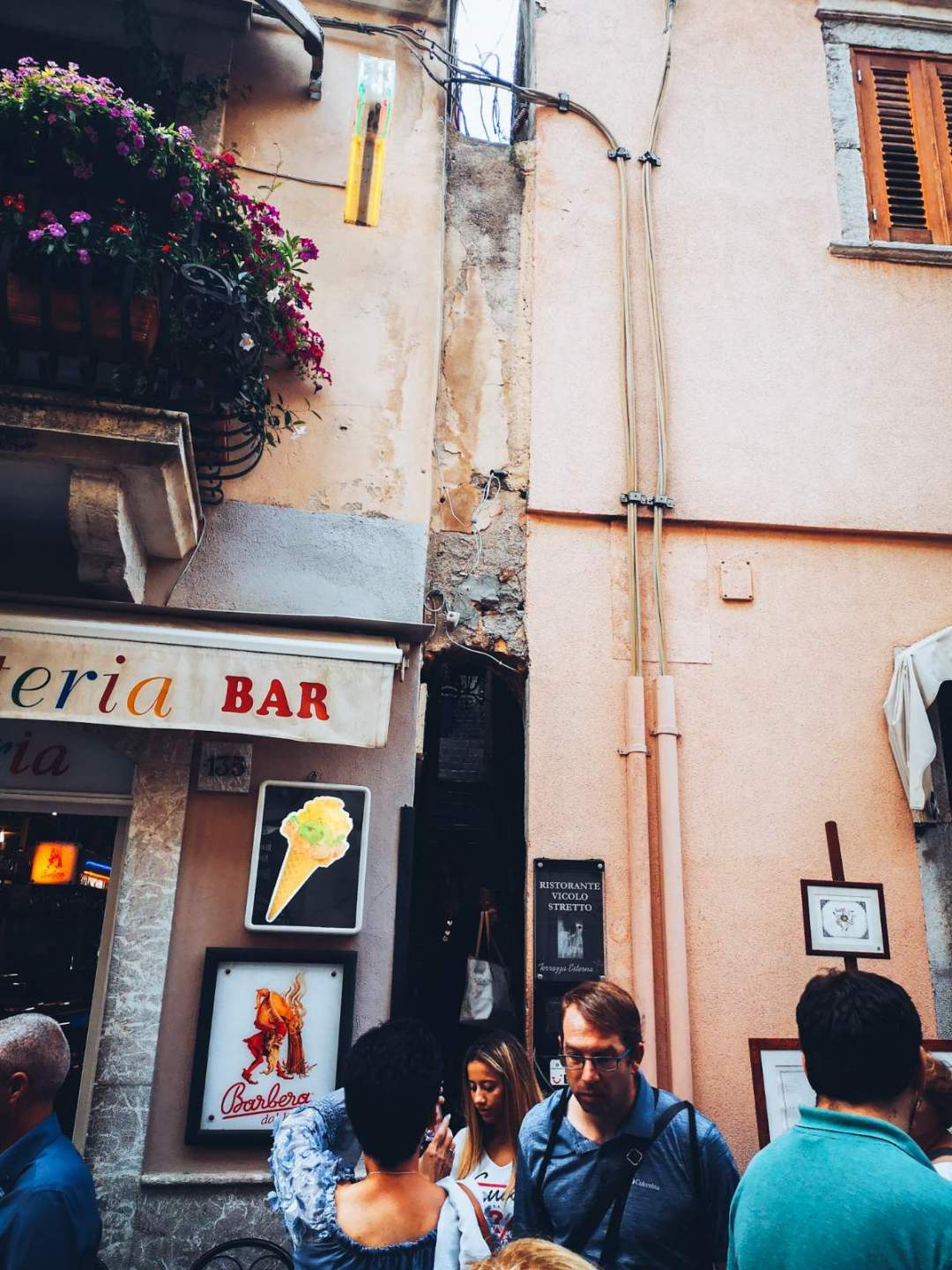 Smallest street in Taormina - Vicollo Stretto