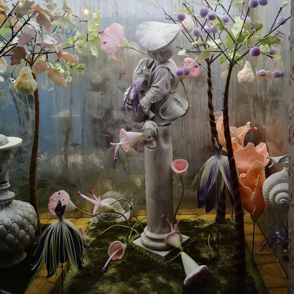 Tim Walker Wonderful Things exhibition at Victoria&Albert Museum London