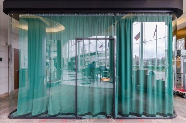 Салон на Митко Дамов в хотел Хилтън