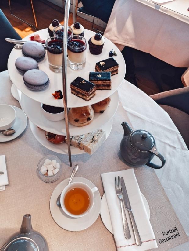 Следобеден чай със скоунс Лондон