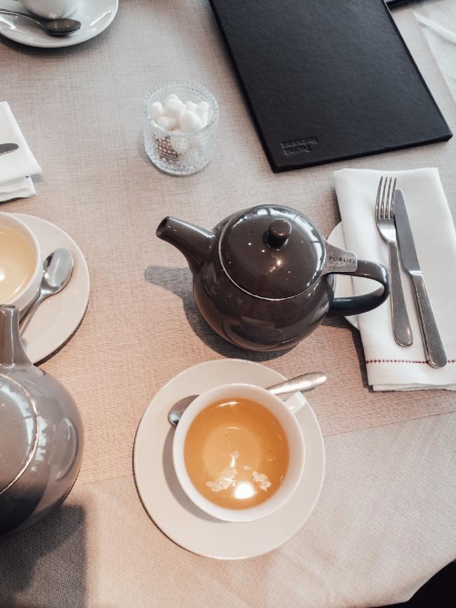 Как пият англичаните следобеден чай