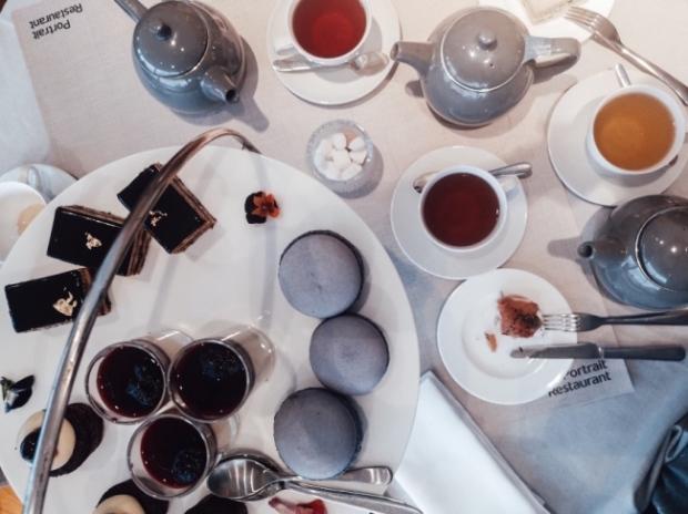 Скоунс и следобеден чай в Англия
