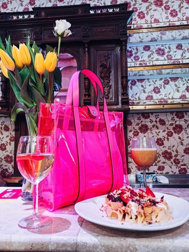 Розова прозрачна чанта за пролетта