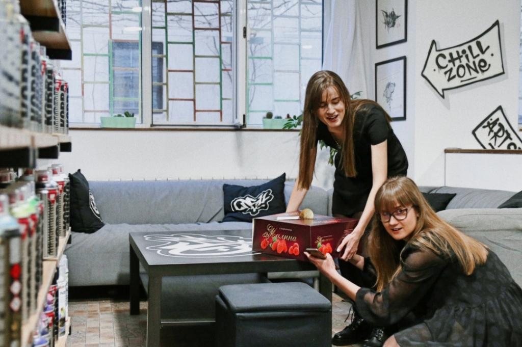 сестри блогъри Лилия и Натали Дакова